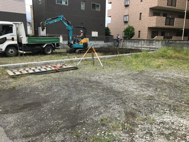 基礎工事開始!
